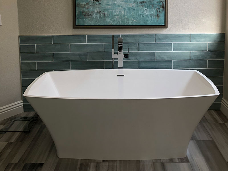 Master Bath Tub - After